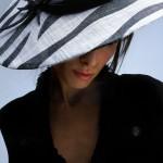 women_hat_blackandwhite-marilena_romeo